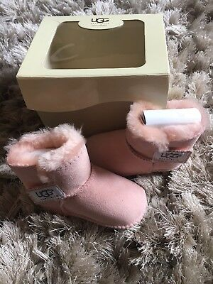 UGG Baby Girls Erin Infant / Toddler Baby Pink Boots, Size M (12 -18Months) NEW.