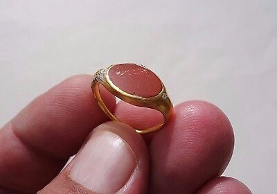 Roman Gold Ring,decorated with a pure gemstone,date Ist A.D,as detected,unclean