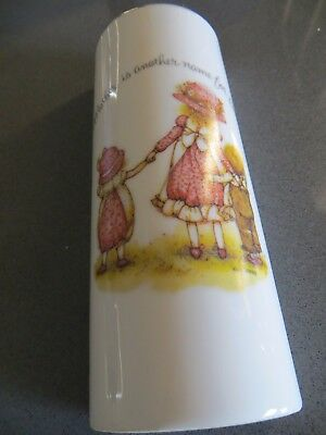 holly hobbie wall 1/2 vase