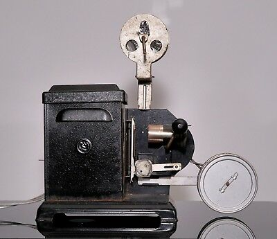 Vintage toy 9.5mm hand-cranked projector - unknown make