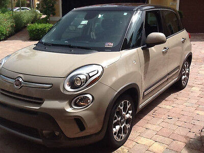 2014 Fiat 500L 5 door hachback 2014 fiat 500L vehicle