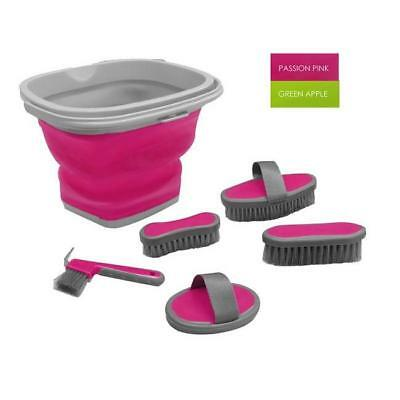 Showman 5 Piece Grooming Kit with Collapsible Bucket