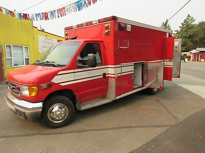 2003 Ford E350 Ambulance
