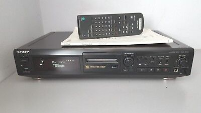 SONY MDS-JE500 MINIDISC RECORDER / PLAYER with manual, remote control & cables