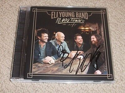 ELI YOUNG BAND - SIGNED 10,000 TOWNS CD *BAND AUTOGRAPHED* Mike Eli