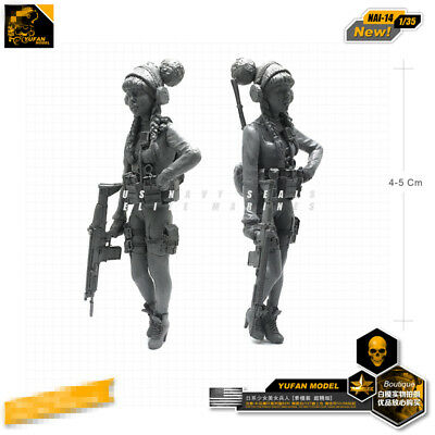 1/35 Brand-new unassembled Resin Armed Girl Cosplay Figure NAI-14
