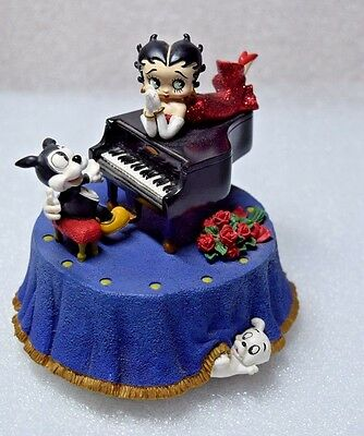 Betty Boop Figurine I Wanna Be Loved By You 6844 Musical Box (Missing right ear)