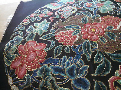 Antique Chinese Embroidery Roundel / Pristine / Qing Dynasty