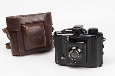 Capta I Type 2- Bakelite camera made in Spain