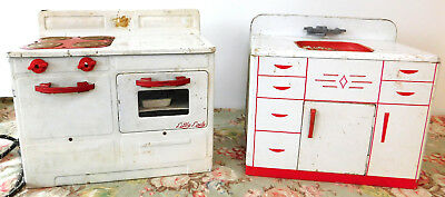 1950s LITTLE LADY Cook Stove + WOLVERINE Kitchen Sink, tin toys, doll furniture