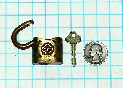 Vtg Antique Small Yale & Towne STANDARD Y&T Brass Lever Padlock Lock and F38 Key