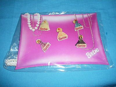 415A Antique Pack  of 5 Pin's Barbie Mattel Doll Model