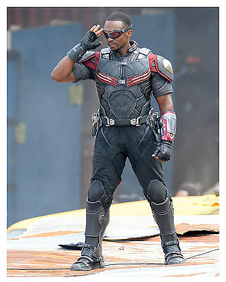 "---Captain America--(THE FALCON) ""ANTHONY MACKIE"" 8x10 Photo"