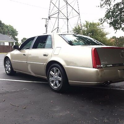 2006 Cadillac DTS  2006 cadillac dts (Luxury Package)