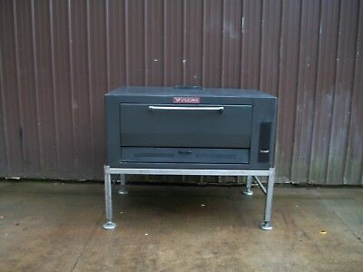 Vulcan  Natural Deck Gas Pizza Oven Brand New Stones