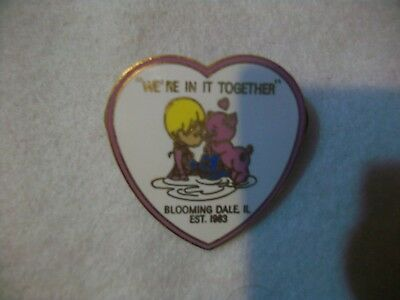 """Precious Moments Collectors Pin - """"we're In It Together"""" - Bloomingdale, Ill"""
