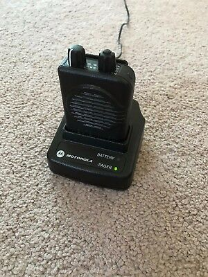 Motorola MINITOR V - UHF 453 - 462 MHz 2-Channel Stored Voice Pager w/Charger
