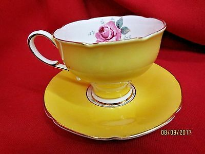 VTG PARAGON BUTTER YELLOW Cup & Saucer/PINK Roses/BY APPOINTMENT TO QUEEN MARY