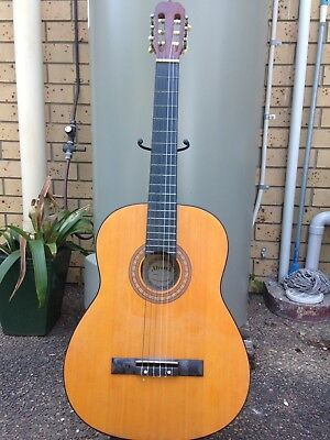 @@@Alvarez CG-100 Acoustic Guitar And Stand @@@ Great Condition @@@