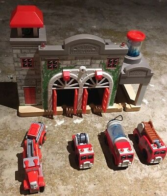 Thomas Wooden Railway Deluxe Fire Station+vehicles
