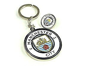 Manchester Man City NEW DESIGN Crest Keyring Keychain Pin Badge Set