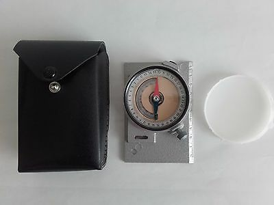 Vintage USSR/Soviet Russia Mountain geological compass.