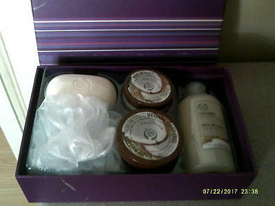 The Body Shop Coconut Shower, Scrub & Soften Collection Gift Box Set New