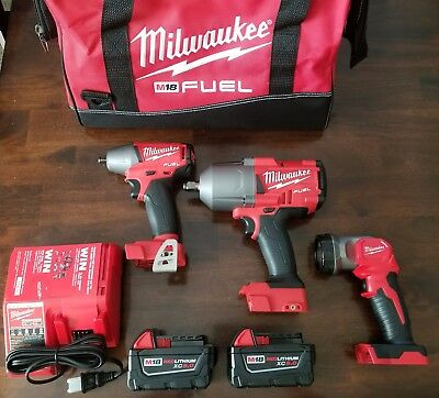 "Milwaukee M18 FUEL 3/8""+1/2"" 1400 ft-lb Impact Wrench+Light Combo kit #2996-23"