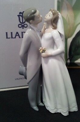 """Lladro """"kiss To Remember"""" #6620 Boxed"""