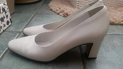 Vintage Real Italian Leather White Heels Size 5 Court Shoes