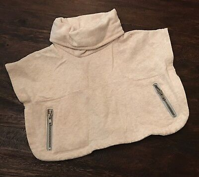 Old Navy Girl's Oatmeal Poncho 12-18 Months - EUC