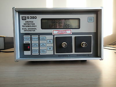 UDT INSTRUMENTS S380 DUAL-CHANNEL OPTOMETER with 2 sensors Tested, Working