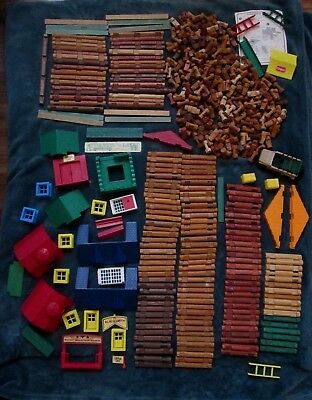 Huge Mixed Lot 485 Lincoln Logs 10 Pounds Wooden Plastic Roofs Windows Ladders..