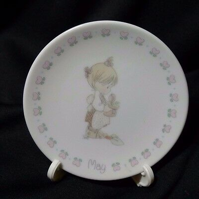 """1988 Precious Moments 3.5"""" Birthday Girl May Porcelain Plate & Easel"""