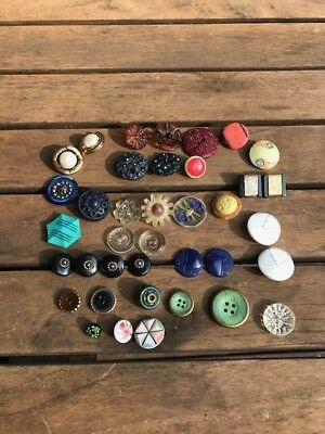 Lot Of Vintage Buttons-Glass-Wood-Bakelite?