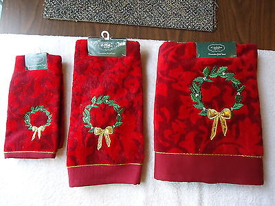 "St.Nicholas Square Set Of 3 Decorative 100% Cotton Towels "" NWT "" BEAUTIFUL SET"