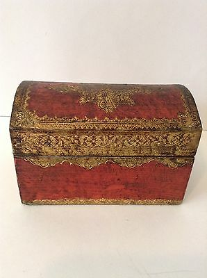 "Vintage Italian Florentine Gold Gilt Domed Wood Box 6"" Long 4"" Tall"