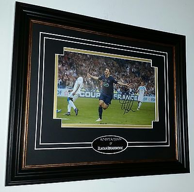** RARE Zlatan Ibrahimovic of PSG Signed PHOTO PICTURE AUTOGRAPH Display  ***