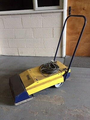 Cimex x46 Escalator and Travelator Cleaner Industrial heavy duty cleaner vacum