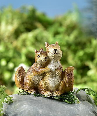 Fairy Garden Mini - Hug It Out - Hugging Squirrel Couple