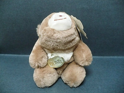 """Vintage GUND Snuff Teddy Bear 1980 Style 2130 6"""" Tall Paper and Gold Oval Tags"""