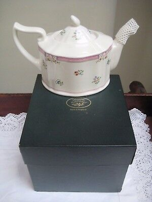 Boxed Laura Ashley 'Alice' Teapot Easily Holds 1 1/2 Pints