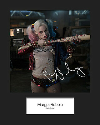 MARGOT ROBBIE (Suicide Squad - HARLEY QUINN) #3 Signed 10x8 Mounted Photo