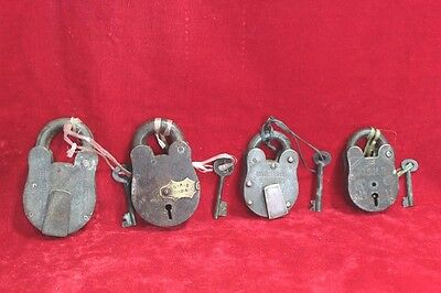Vintage Antique Iron Brass Old 4 Pc Lock and Keys Home Safety Decor PW-81