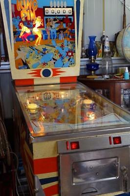 KingPin Pinball Machine 1970's