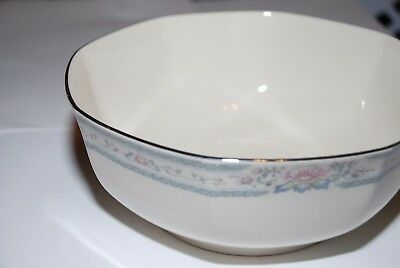 Lenox FINE CHINA Lenox Cosmopolitan Collection bowl with Silver rim