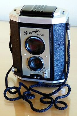 Kodak Brownie Reflex Camera With Case : Made In England : Collectable :1946-1960