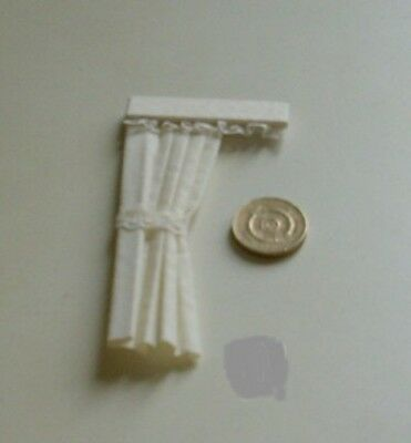 DOLLS HOUSE CURTAINS  CREAM DOOR 1.24th scale. Lundby?