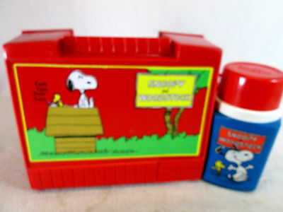 Vintage 1971 Thermos brand Peanuts Snoopy & Woodstock plastic lunch box set