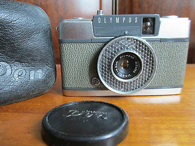 Olympus Pen EE camera. With original case and lens cap. Not film tested.